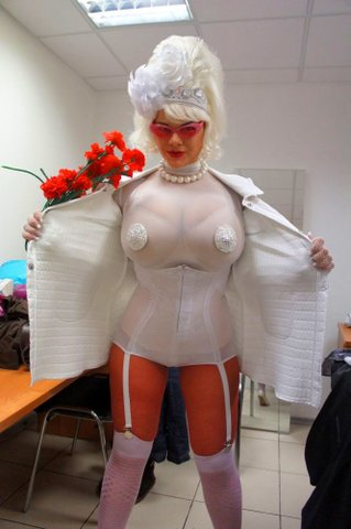 Мария (Мия) Зарринг - 12 размер бюста ... http://img-fotki.yandex.ru/get/4714/130422193.8e/0_6fb81_826c240e_orig