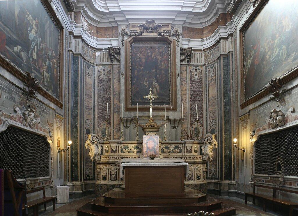 Неаполь. Церковь святых Филиппо и Джакомо (Chiesa dei Santi Filippo e Giacomo)