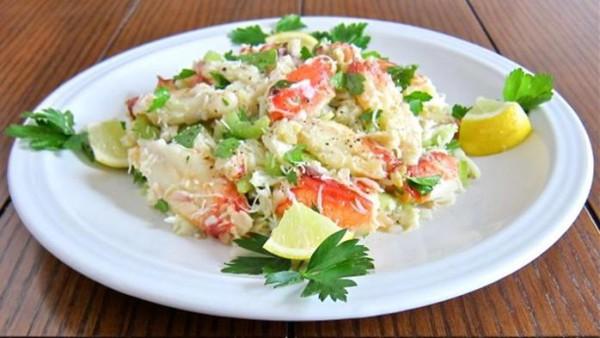 Подборка самых лучших салатов с крабовыми палочками и мясом