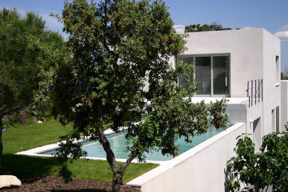 Casa del Pico от ABATON Arquitectura в Испании