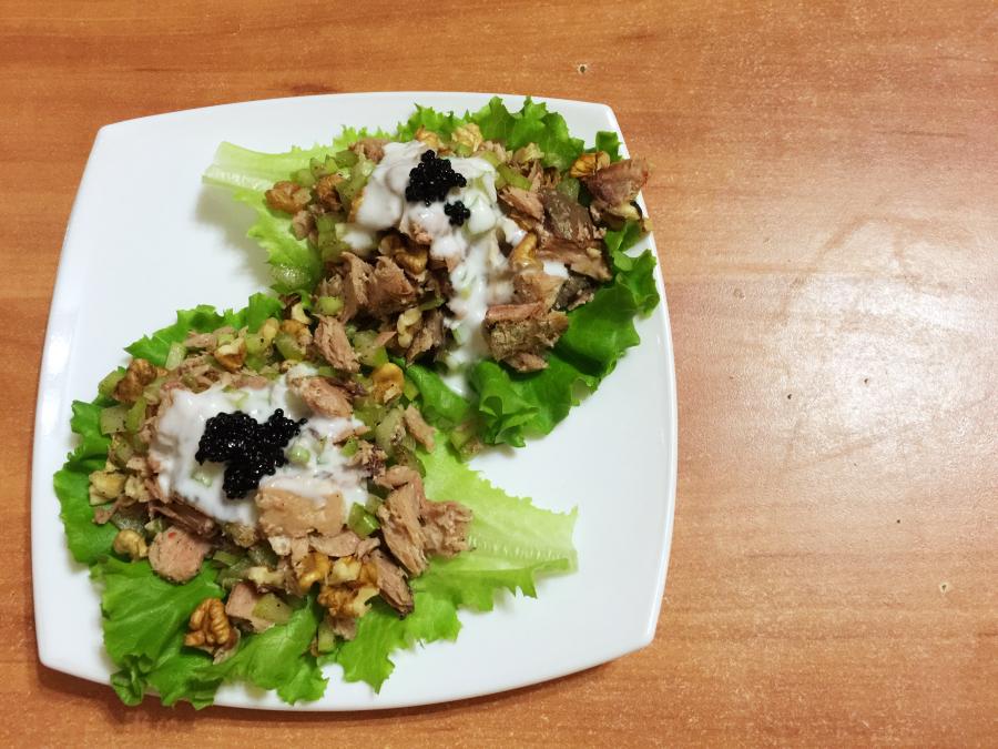 Салат из тунца с сельдереем