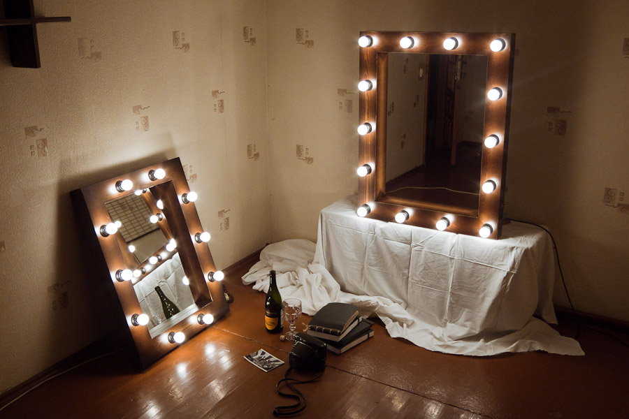 Зеркало для макияжа с подсветкой  спб