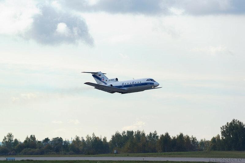Яковлев Як-40 (RA-88231) Вологодское Авиапредприятие 007_D801050