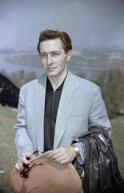 Портрет В.Тихонова. РГАКФД 1962-65.jpg