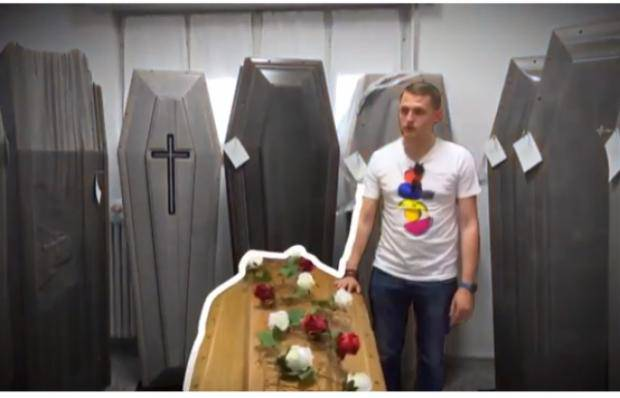 Как украинский журналист мастерил гробы для умерших итальянцев: новый спецпроект на Новом канале (видео)