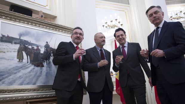Справа налево: Юрий Петрович Корчагин, Аугусто Феррер-Далмау, Перес-Реверте, Фернандо Альвареc
