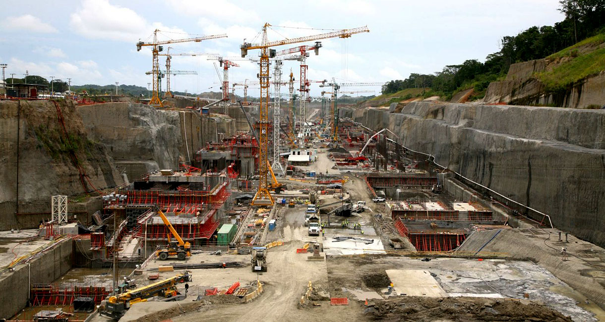 the history and completion of the bridge in panama canal