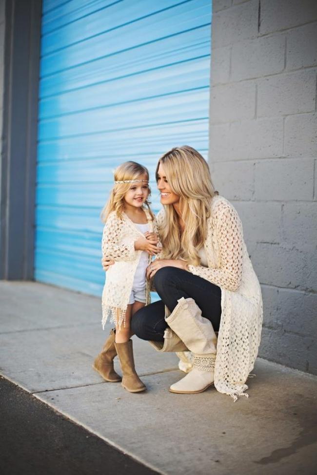 16 фотографий, на которых матери и дочери похожи как две капли воды (16 фото)