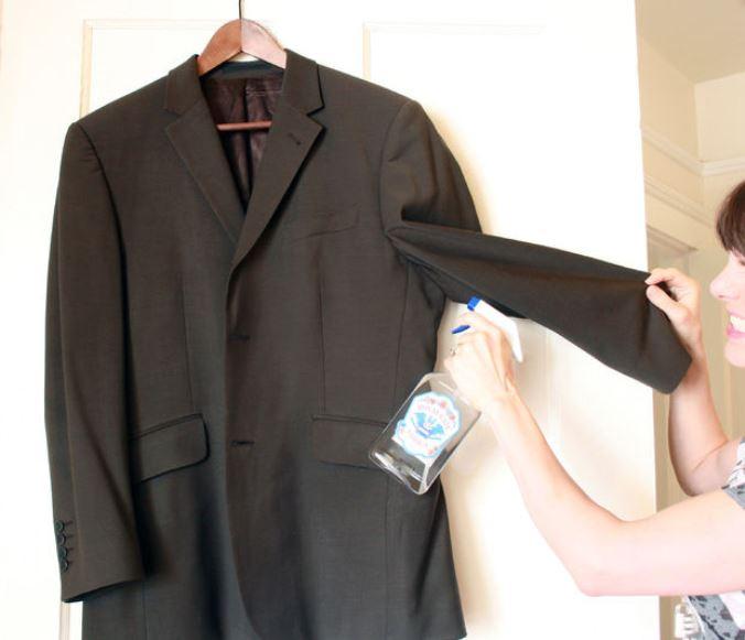 13. Помогает предотвратить выцветание Чтобы темная одежда со временем не становилась светлее, необхо