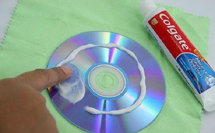 3. Царапины на DVD и CD Небольшое количество пасты наносится на царапину на диске и аккуратно протир