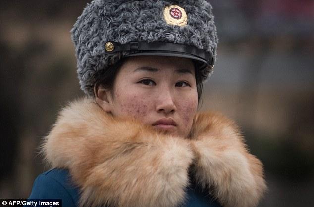 К примеру, на посвященном им сайте народ выбирает «Пхеньянскую регулировщицу месяца».