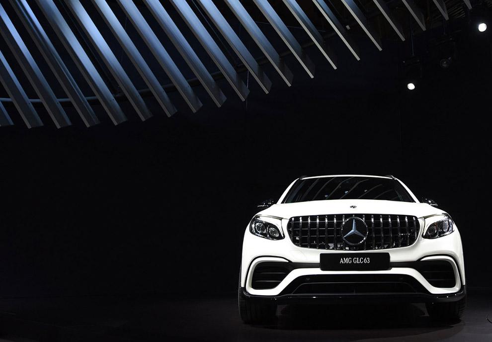 5. Оригинальное пятиместное купе Mercedes-AMG GT служит лишь двум целям: демонстрации направлен