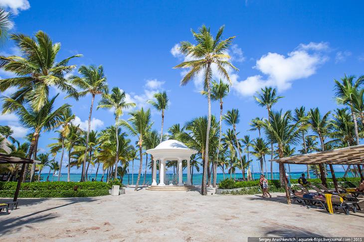 2. Округ Баваро недаром стал основным туристическим местом в Доминикане. Его береговая линия настоль