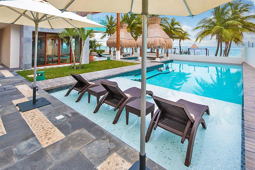 Вилла класса люкс Azul Villa Esmeralda в Мексике (19 фото)