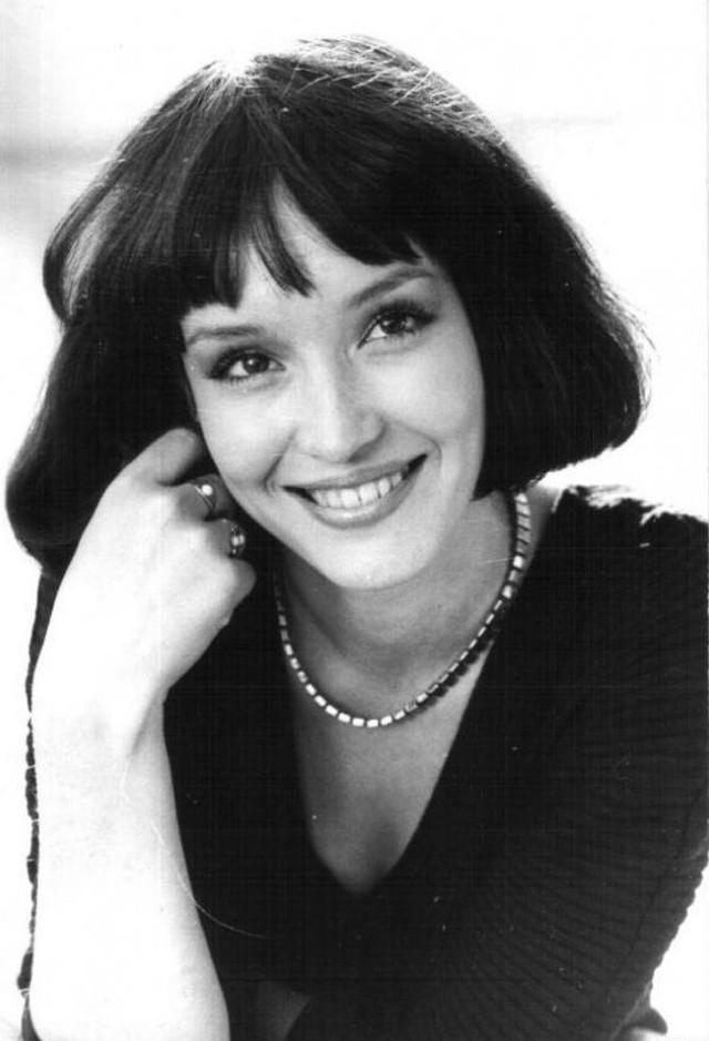Анна Самохина Советская и российская актриса театра и кино, телеведущая и певица.
