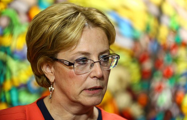 Нью-Йорк: руководитель Министерства здравоохранения Скворцова поведала, как спасла пассажирку нарейсе Москва