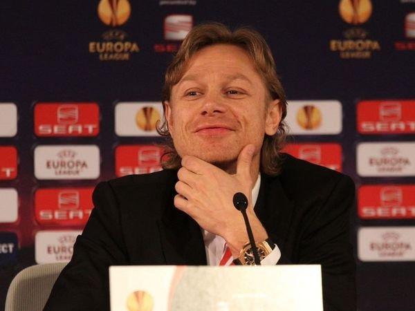 Умахачкалинского футбольного клуба «Анжи» есть три кандидатуры напост основного тренера