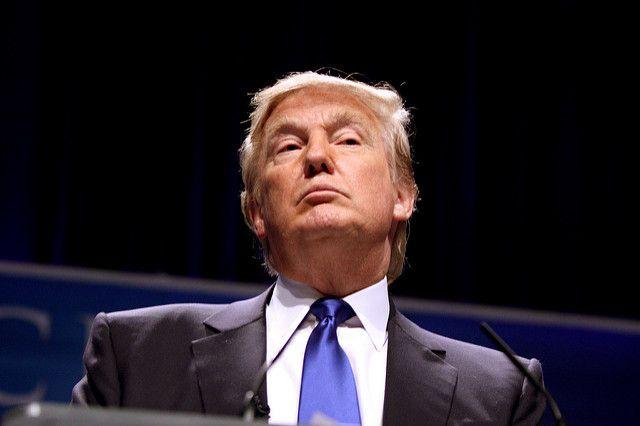 Рейтинг согласия Дональда Трампа стал самым низким с1945 года