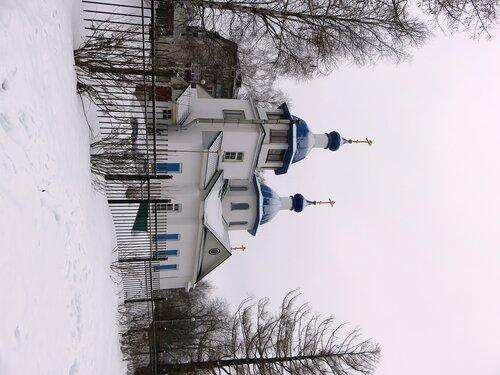 Храм мартовским утром