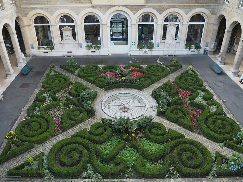 Отель-Дьё де Пари (Hôtel-Dieu de Paris)