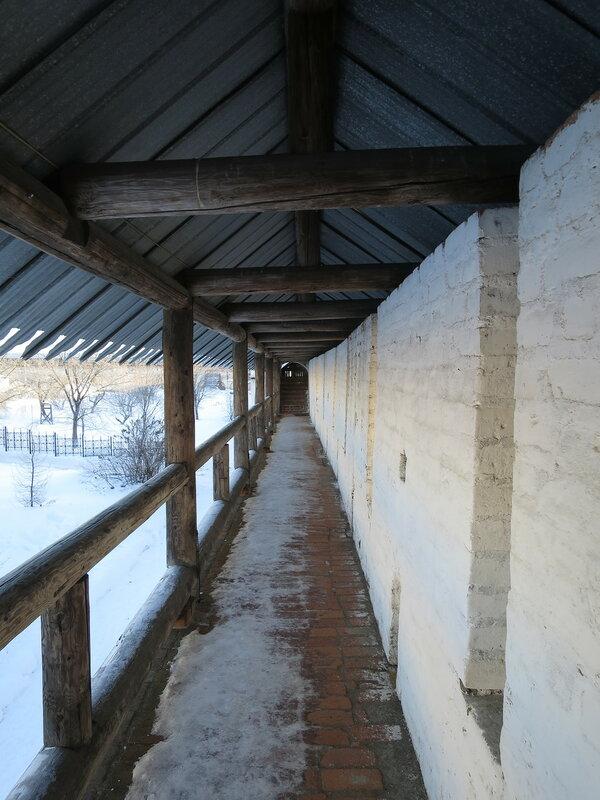 Спасо-Прилуцкий монастырь. Боевая галерея
