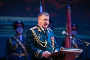 командующий 5-й Армией Валерий Асапов.jpg