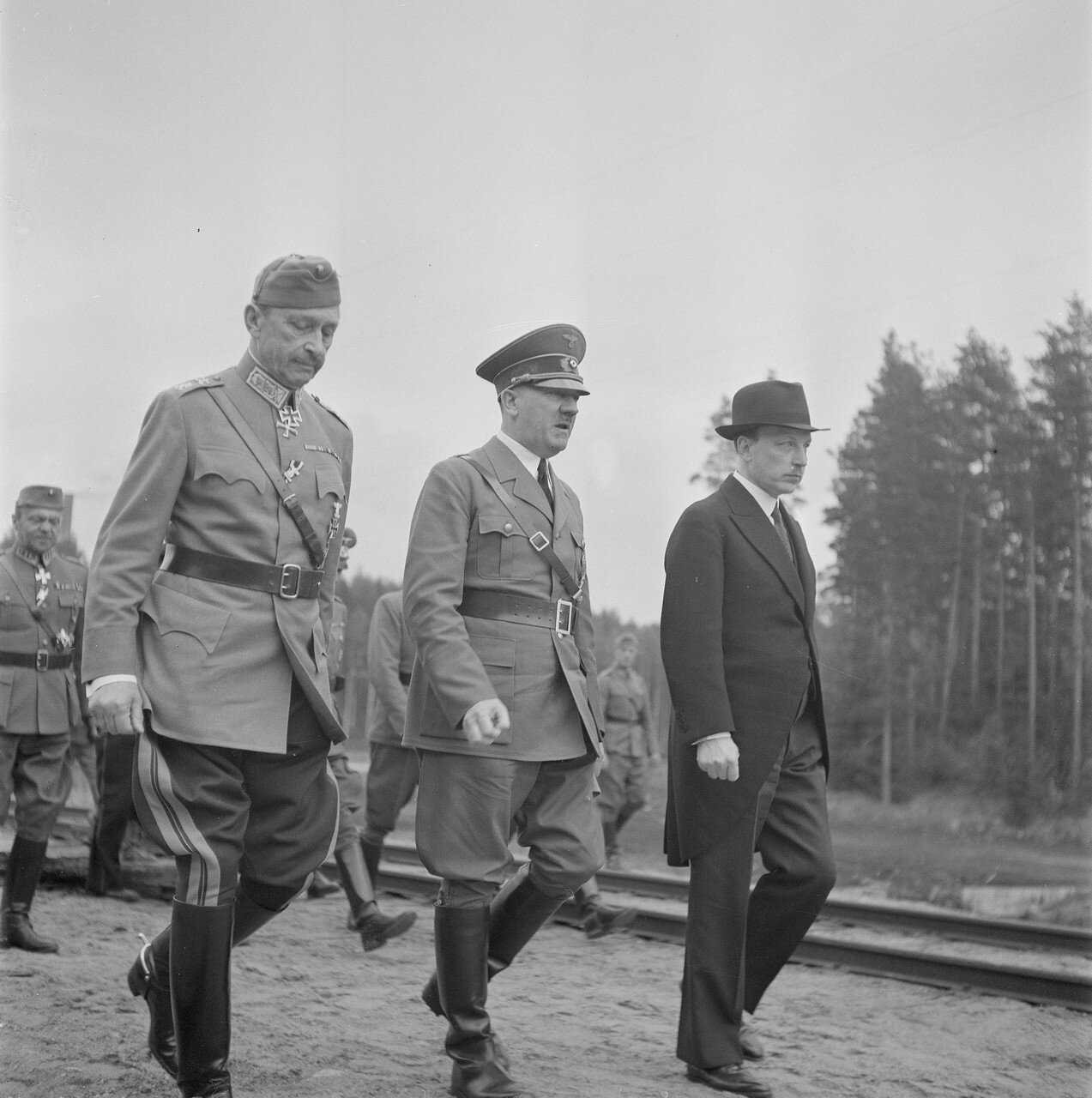 Карл Густав Эмиль Маннергейм, Адольф Гитлер и Ристо Рюти 4 июня 1942