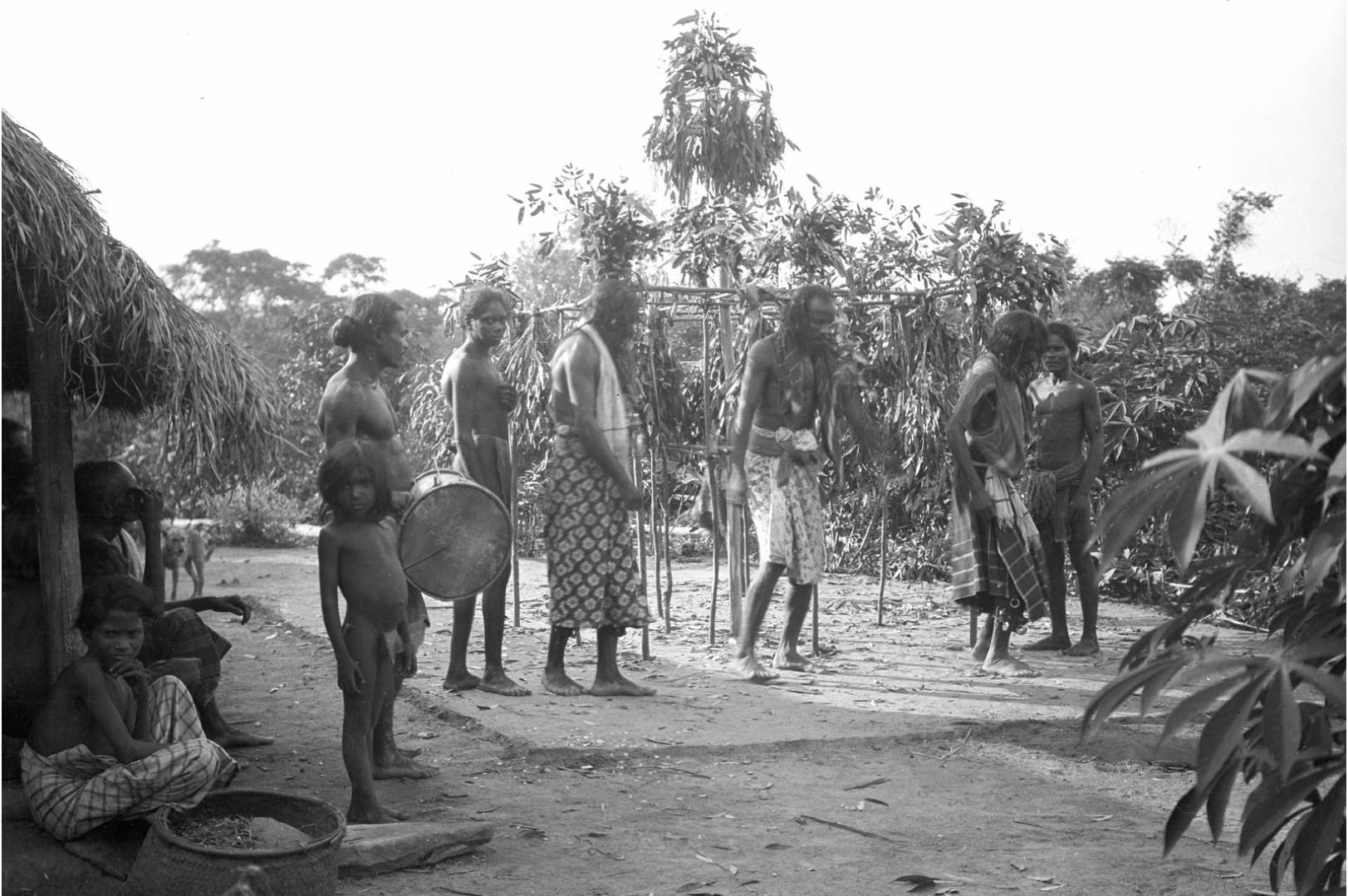 383. Мадугалла. Ритуальный танец лесных веддов
