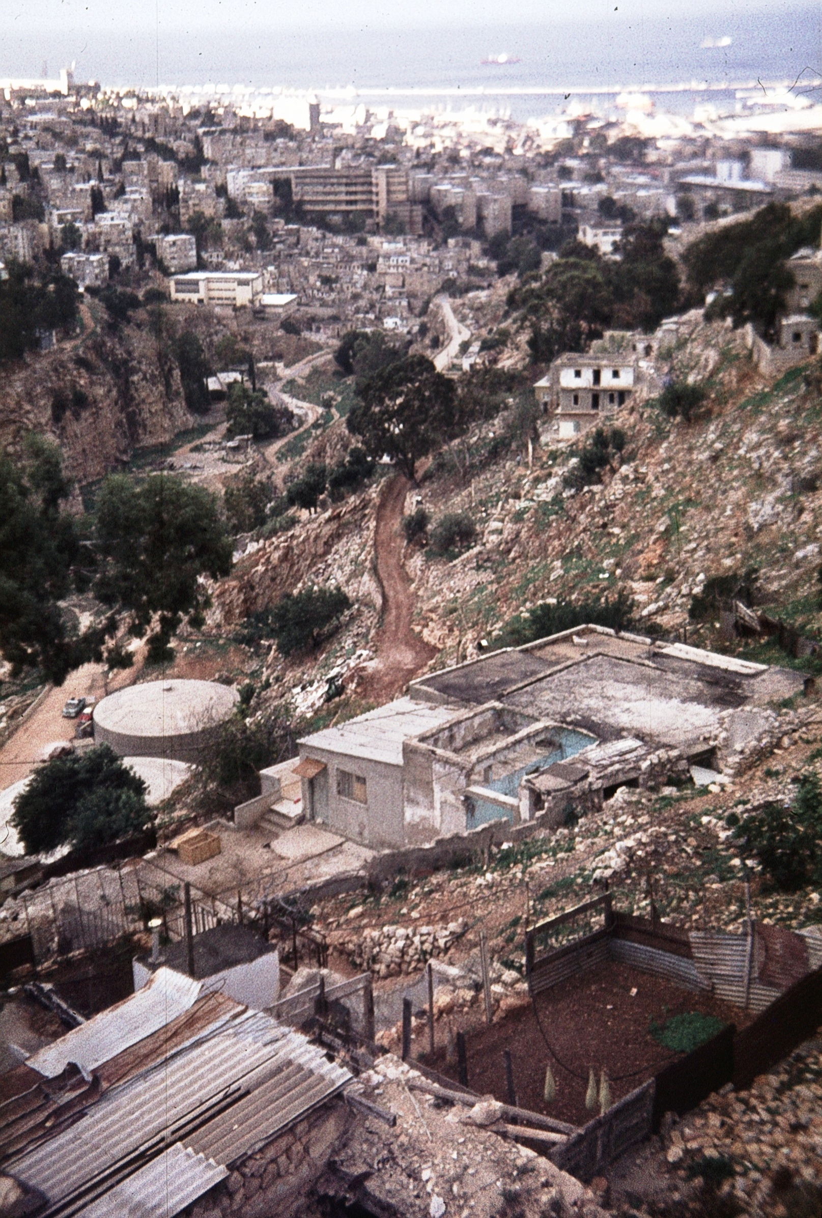 Вид на каньон и район Адар (1976)