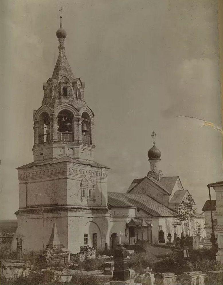 Церковь Введения во храм Пресвятой Богородицы в Воскресенском монастыре