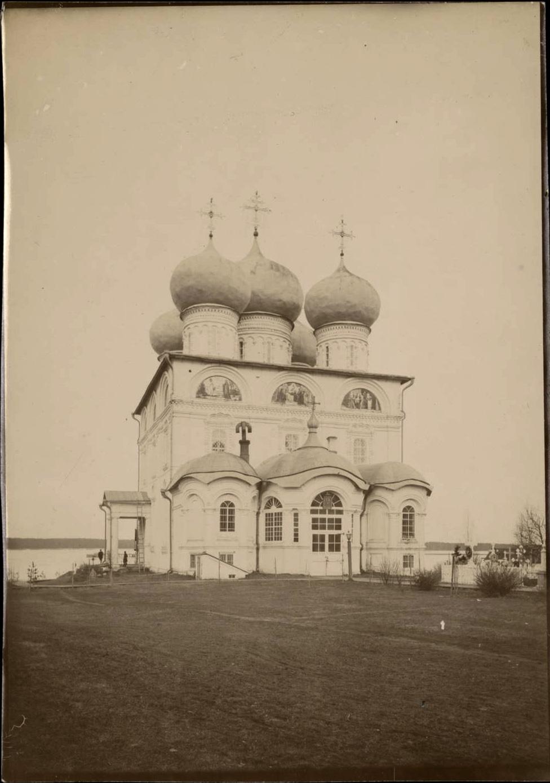 Успенский собор Трифонова монастыря