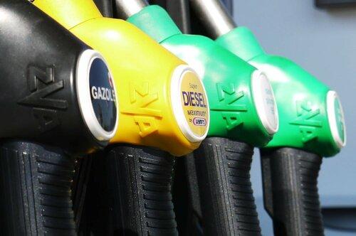 НАРЭ назначило новый порог цен на топливо в Молдове