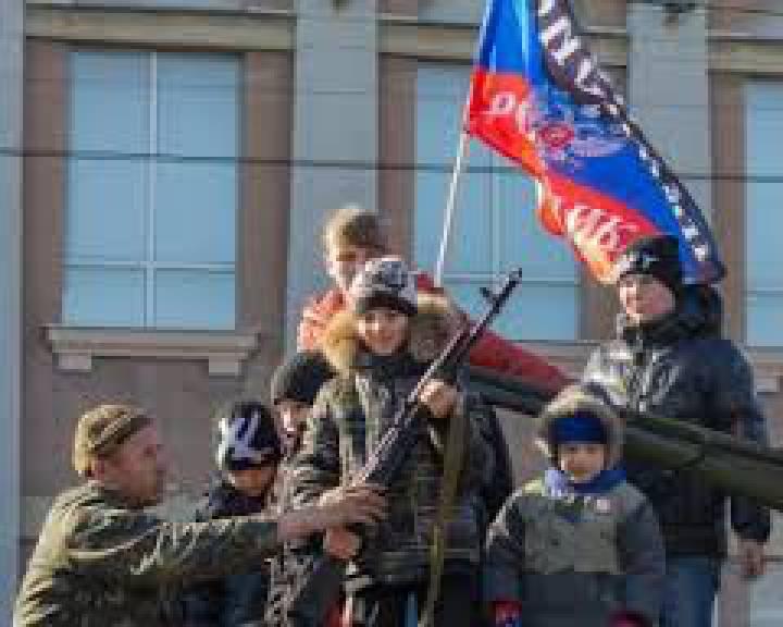Путин усиливает давление на Украину, потому что ему нужны победы накануне выборов в Госдуму, - российский оппозиционер Касьянов