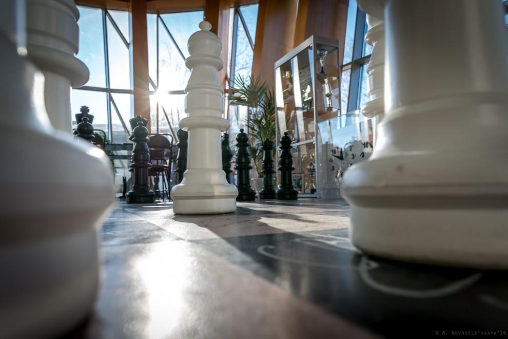 Югорская шахматная академия построена в рамках программы социальных инвестиций «Родные города». Если