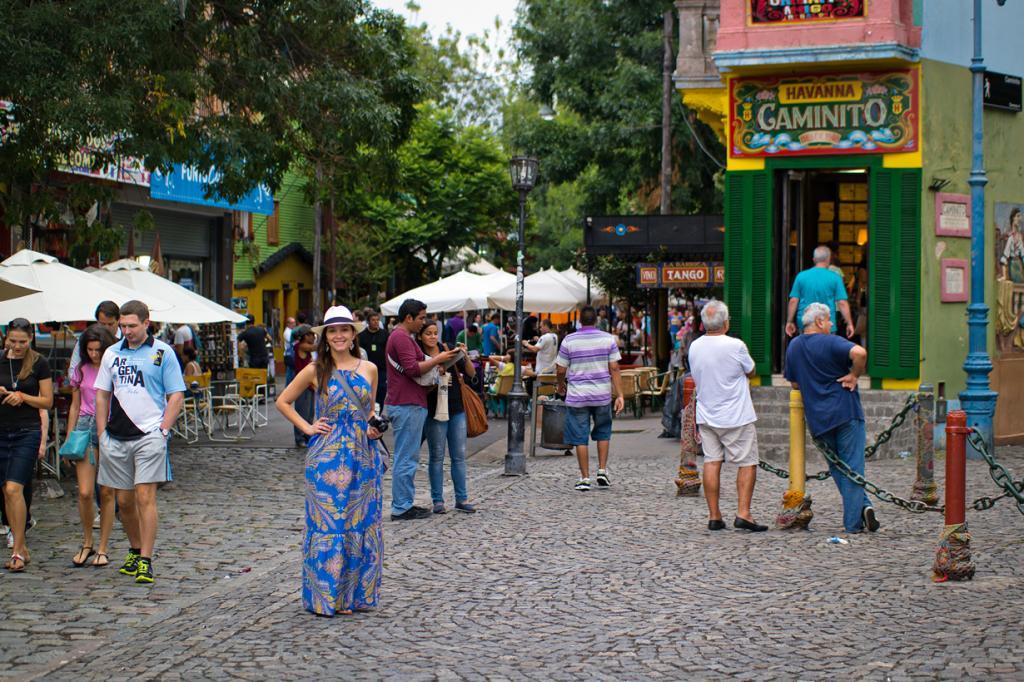 Улица получила своё название в честь знаменитого танго «Caminito», написанного в 1926 году компо