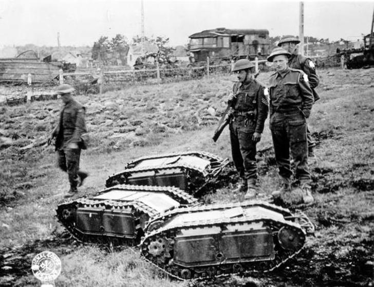 В период с 1939 по 1945, британские саперы часто находили такие «мини-танки». Их использовали немецк