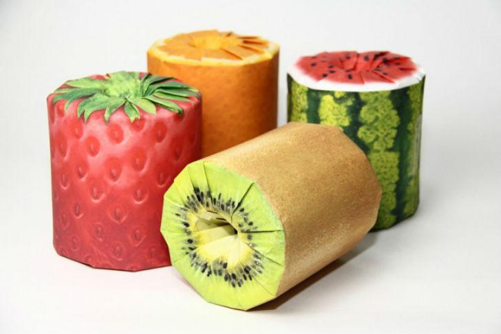 Дизайнеру из Японии Казуаки Кавахара пришла идея сделать туалетную бумагу с фруктовым запахам и ярко