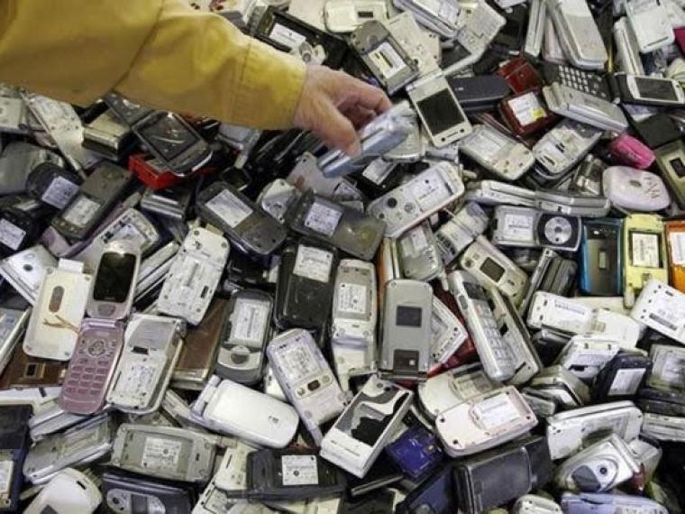 Медали Игр-2020 сделают изстарых телефонов