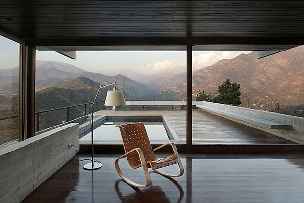 Casa Camino a Farellones by Max Nunez Arquitectos
