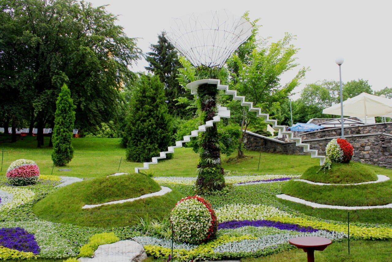 Цветочная инсталляция Мечты о будущем