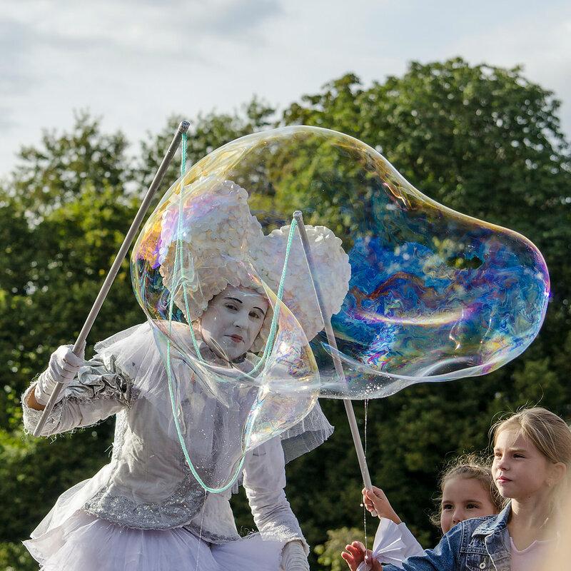 Шоу с мыльными пузырями