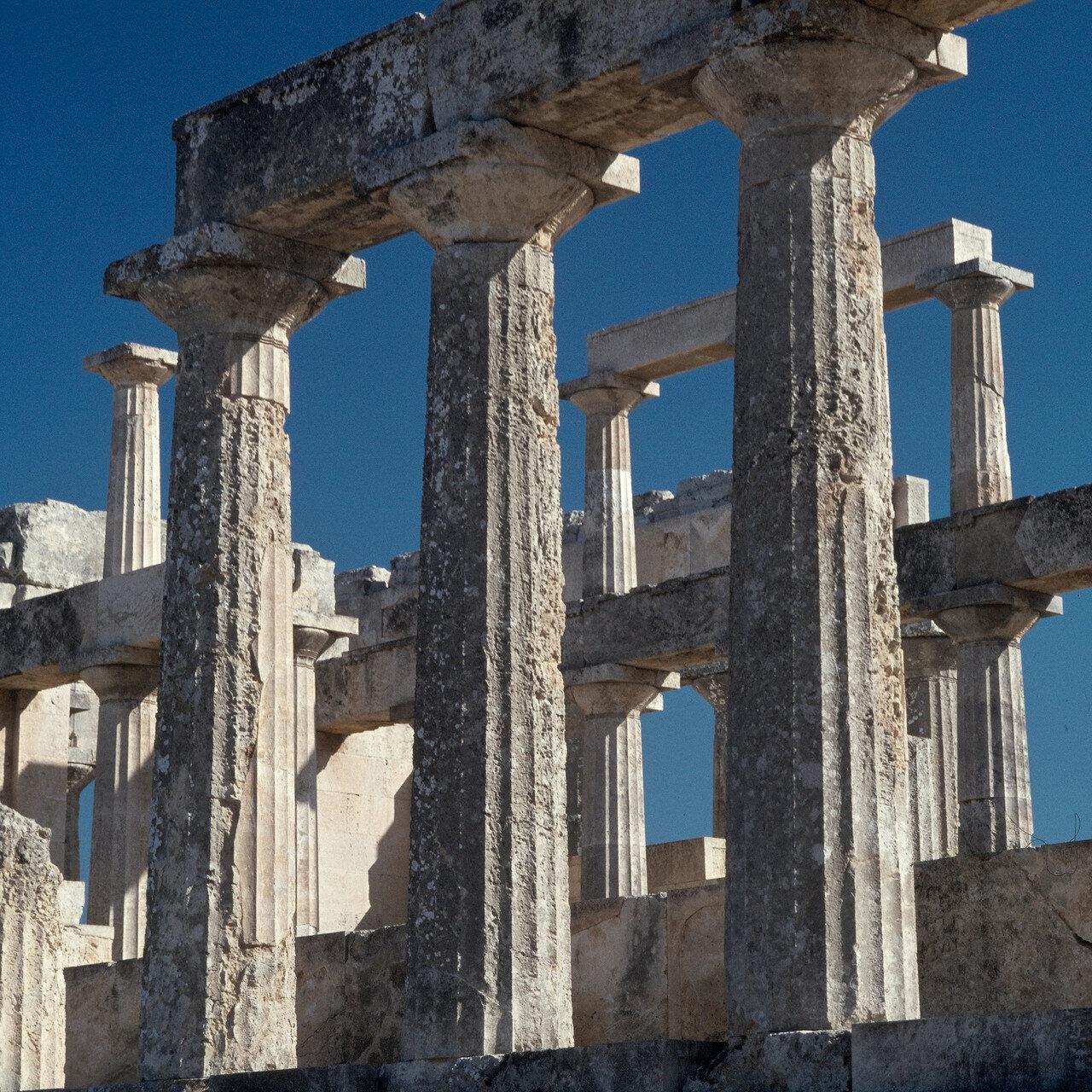 Эгина. Храм Афайи. Колонны и антаблемент северной стороны
