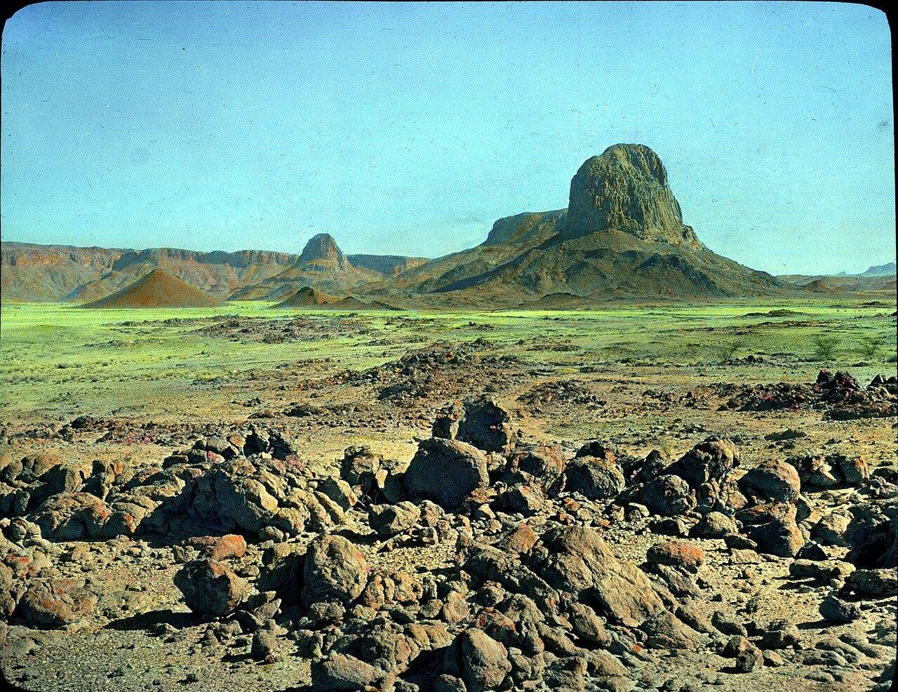 Алжир. Северо-восток Таманрассета. Гнейс, коренные горные породы