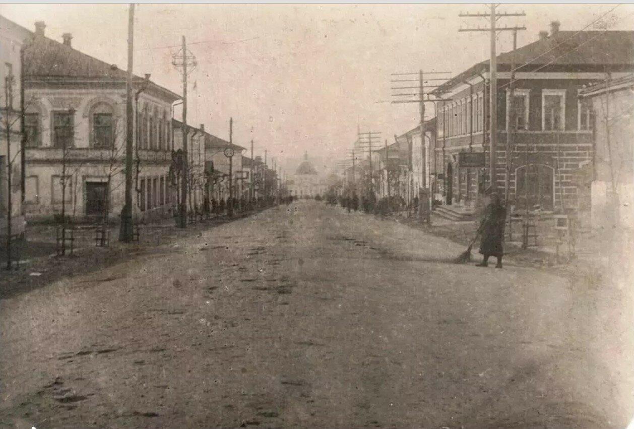 Вид в сторону Нижней торговой площади