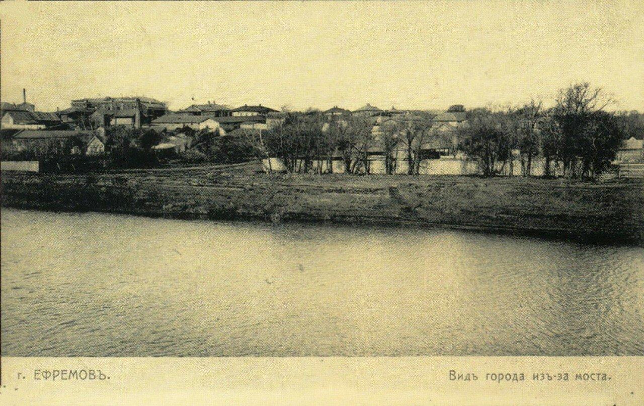 Вид города из-за моста