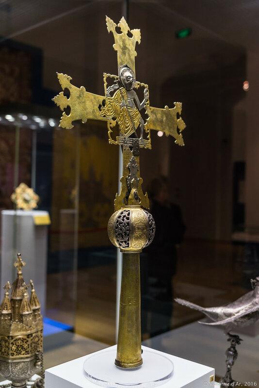 Крест напрестольный. Киликийская Армения (?). XIII-XIV вв. Cеребро, золочение.