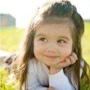 Смешная девочка