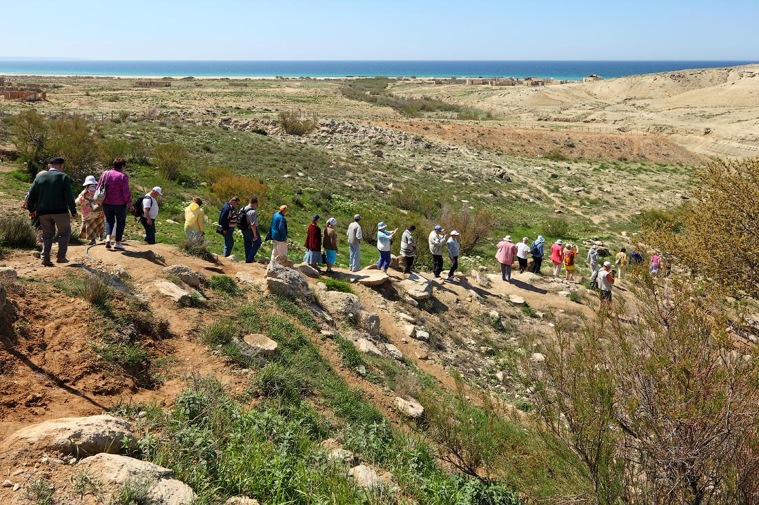 туристы теплохода Русь Великая в каньоне Саура