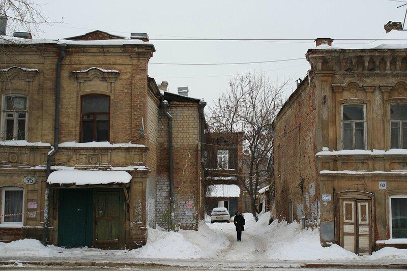 Крест, старый город с Ниной 100.JPG