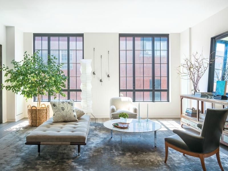 Дизайн интерьера гостиной в светлых оттенках фото 26